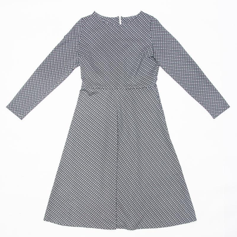 e2ddaf6b Wykrój na klasyczną, damską sukienkę
