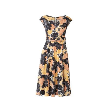 Wykrój BURDA: sukienka zefektem kopertowym, dekoltem wszpic i obniżoną linią ramion, fig. 6