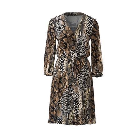 Wykrój BURDA: sukienka zzapięciem na guziki, o kroju koszulowym, zdekoltem wszpic, fig. 4