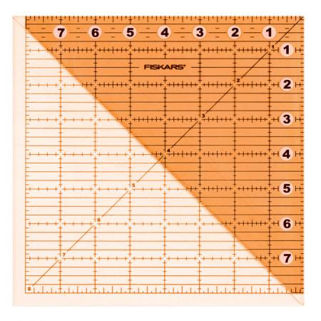 Linijka do patchworku i quiltingu Fiskars (15x15cm), fig. 1