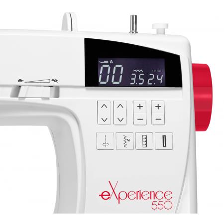 Maszyna do szycia Elna 550 eXperience - czytelny wyświetlacz