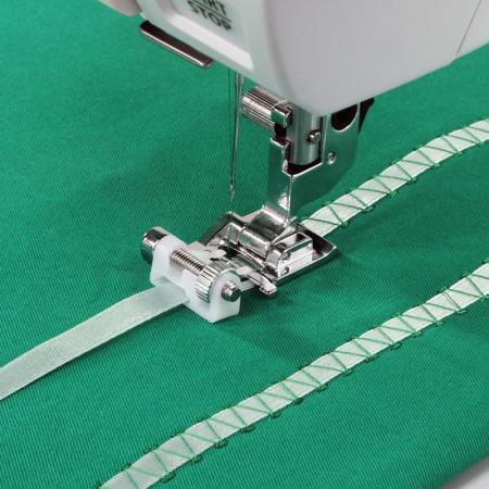 Stopka do naszywania cekinów lub tasiemek (do maszyn z szerokością ściegu 9 mm), fig. 1