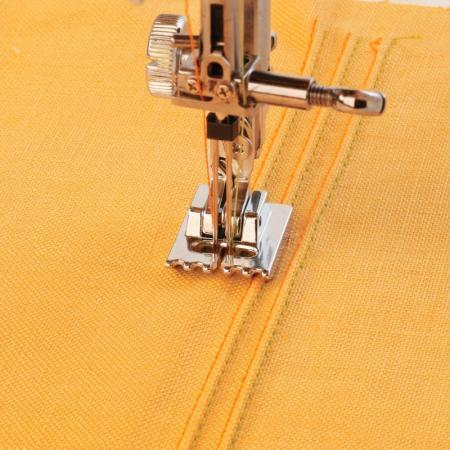 Stopka do wszywania kordu i cienkich wypustek (o średnicy 1,5 mm) (do maszyn z szer. ściegu 9 mm), fig. 1