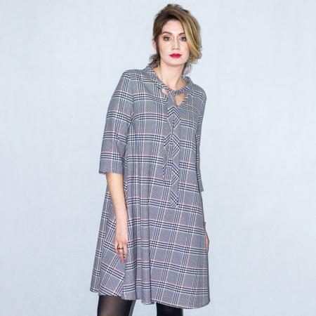 Wykrój na damską sukienkę z wiązanym dekoltem, fig. 4
