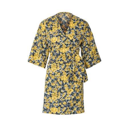 Wykrój BURDA: sukienka kopertowa zpaskiem iwiązaniami oraz wolantami u dołu iprzy dekolcie, fig. 4