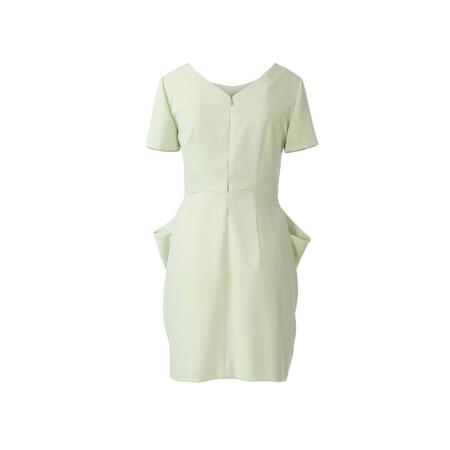 Wykrój BURDA: sukienka zdekoltem wserek, spódnicą zzakładkami iogromnymi kieszeniami, fig. 7