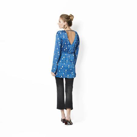 Wykrój BURDA: bluzka zdekoltem wszpic, fig. 4